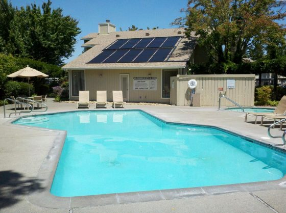 How Efficient Are Pool Solar Panels to Keep your Pool Nice and Warm? 1